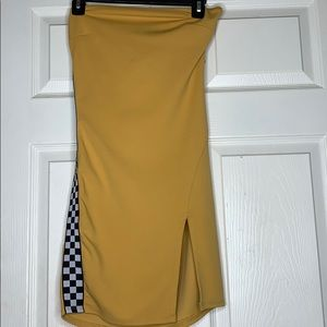 Dresses & Skirts - Yellow Dress 🏁